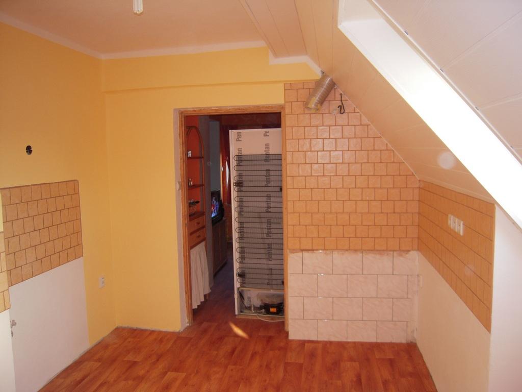 Hotová místnost s podlahou