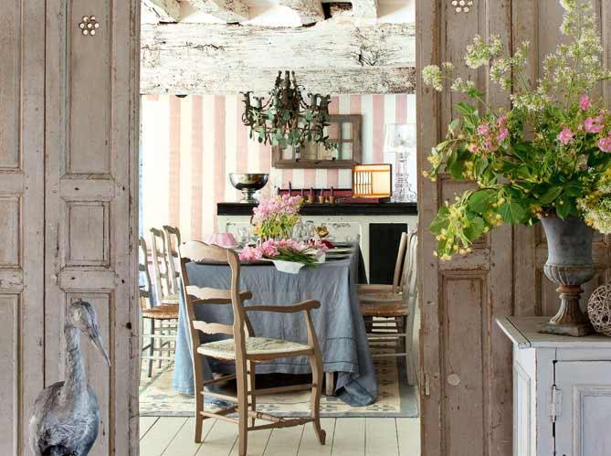 Jak na stylovou a elegantní Provence jídelnu – masiv to jistí